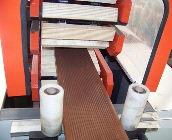 máy ép đùng gỗ nhựa composite