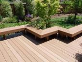 sàn gỗ và ghế gỗ ngoài trời