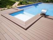 lăp sàn gỗ bể bơi ngoài trời
