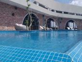 gạch lát sàn bể bơi