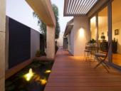 Sàn gỗ ngoài trời chịu nước 30 ngày và hấp thụ 1-3% có đúng không?
