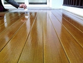 sơn lại bề mặt sàn gỗ tự nhiên